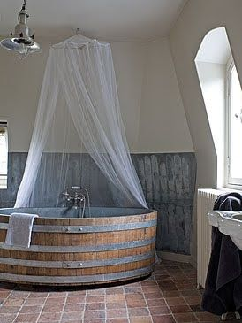 Pinteresting – Wine Barrel Bath Tub